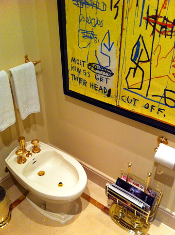 Basquiatbathroom