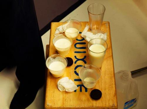 Shaq_milk_props