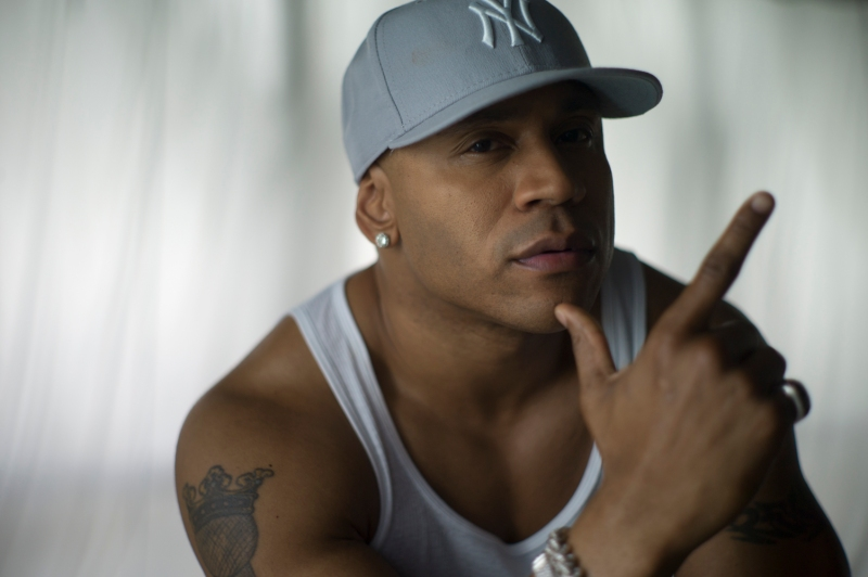 20121202_essence_llcoolj_l9999384