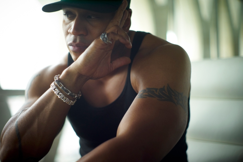 20121202_essence_llcoolj_l9999341